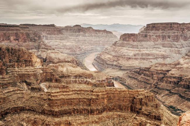 Сценический вид скальных образований и скал в каньоне в Уса — стоковое фото