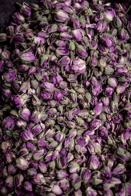 From above pile of delicate dried rose buds placed on stall on market in Marrakesh, Morocco — Stock Photo