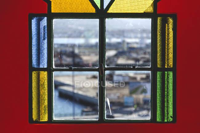 Типова будівля і деталі арабської архітектури. Двері, вікна, мозаїки, ремесла. — стокове фото