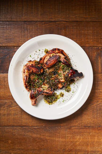 Fresh grilled chicken in restaurant — Stock Photo