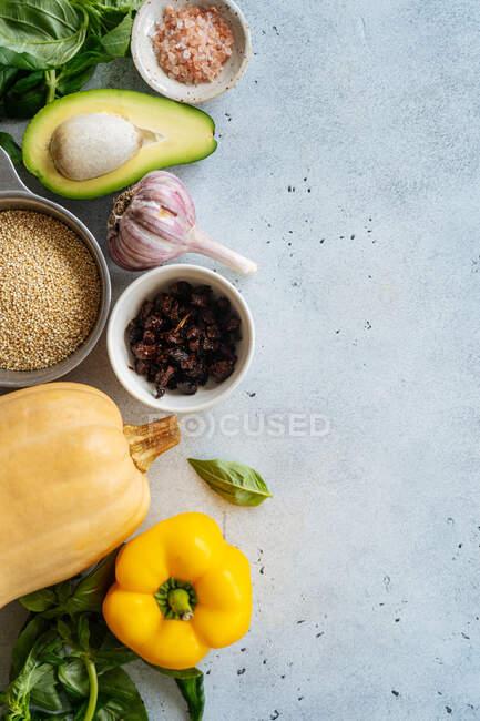 Ingrédients pour recette végétalienne à la courge musquée — Photo de stock