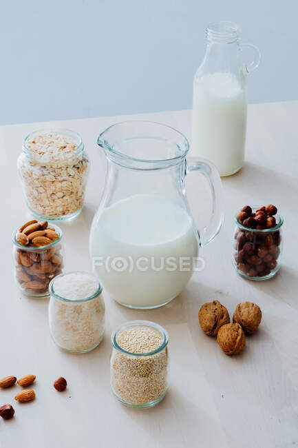 Ingredients for preparing vegan milk on table — Stock Photo