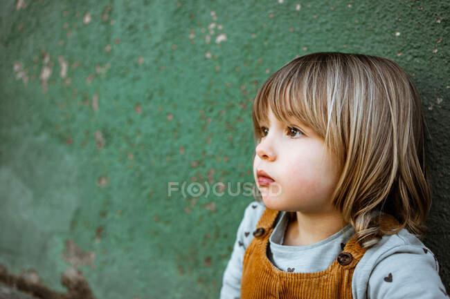 Portrait of a little girl at street — Stock Photo