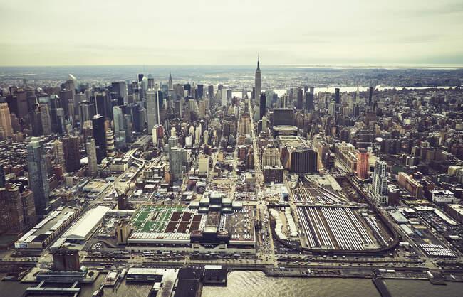 Vista aérea de edificios de la ciudad de Nueva York - foto de stock