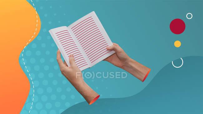 Collage concettuale di arte contemporanea. Concetto di lettura. Due mani che tengono un libro con righe che rappresentano il testo. — Foto stock
