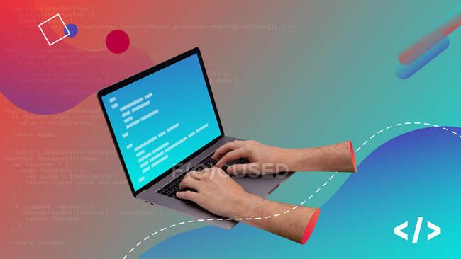 Collage de arte contemporáneo conceptual. Manos escribiendo código en una computadora portátil. Diseño de código. - foto de stock