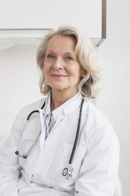 Картинки по запросу врачи девушки