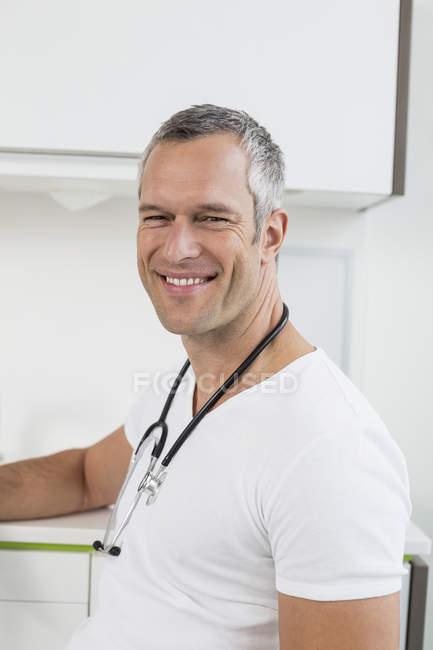 Arzt im Krankenhaus — Stockfoto