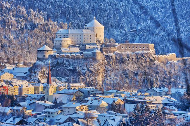 Kufstein cidade com fortaleza — Fotografia de Stock