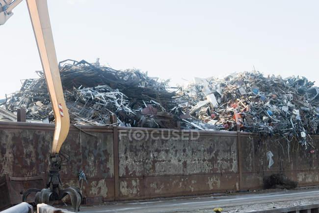 Куча лом металла для переработки — стоковое фото