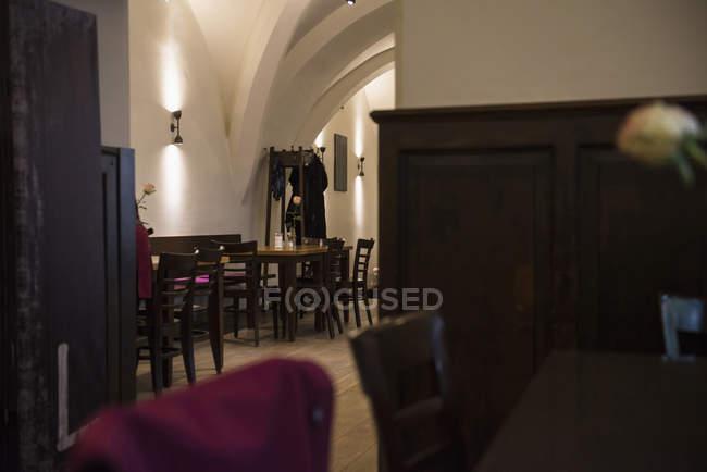 Interior do restaurante rústico — Fotografia de Stock