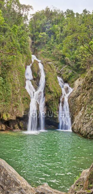 El Nicho waterfalls at Topes de Collantes Natural Park, Trinidad, Cuba — Stock Photo