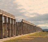 Стародавні колони старих руїни — стокове фото