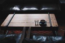 Tazza di caffè e vetro di acqua — Foto stock