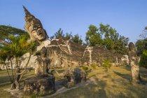 Religious buddhist statues in Buddha Park — Stock Photo