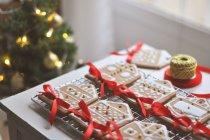 Gingerbread houses in rows — Stock Photo