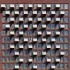 Модель балкона на передней части здания — стоковое фото