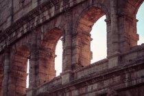 Coliseu fora das ruínas da fachada — Fotografia de Stock