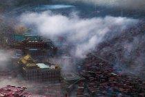 Cityscape with Larung Gar Buddhist Academy — Stock Photo