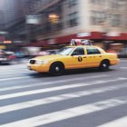 Yellow cab on street of New York City, New York State, USA — Stock Photo