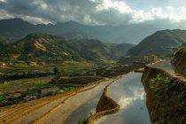 Красивый живописный вид на рисовые террасы, Сапа, Вьетнам — стоковое фото