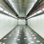 U-Bahn Station Korridor, Usa, New York State, New York City — Stockfoto