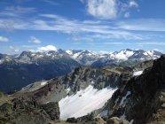 Canada, British Columbia, Whistler, vista panoramica delle montagne innevate belle — Foto stock