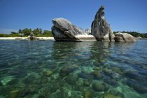 Indonesia, Belitung Island, vista panorámica de Bird Island - foto de stock