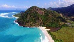 Живописный вид на красивый пляж, Selong Belanak, Западная Нуса-Тенгара, Индонезия — стоковое фото