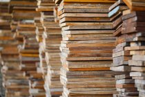 Close-up view of Stacks of timber planks — Stockfoto