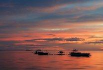 Мальовничий вид на рожевий захід сонця, острів Бохол, Філіппіни — стокове фото