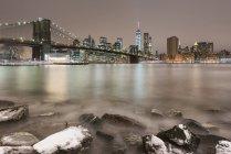Scenic view of Brooklyn Bridge and Manhattan, New York, USA — Stock Photo