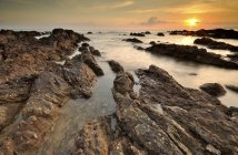 Alba su Pantai Pandak, Kuala Terengganu, Malesia — Foto stock
