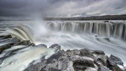 Vue panoramique de la majestueuse chute de Selfoss, Islande — Photo de stock