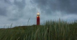 Phare de Texel au crépuscule, De Cocksdorp, Hollande — Photo de stock