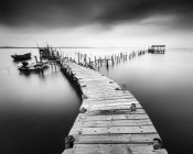 Dilapidated old pier in Carrasqueira, Portugal — Stock Photo