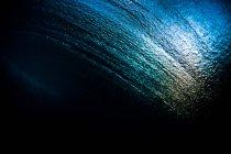 Vista abstracta de la textura del agua desde debajo de la superficie del océano - foto de stock