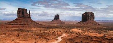 Живописный вид на величественный монумент Вэлли, штат Аризона, Америки, США — стоковое фото
