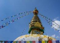 Stupa di Boudhanath decorato con bandiere, Kathmandu, Nepal — Foto stock