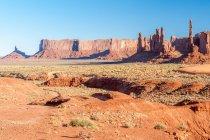 Живописный вид на скалы тотемный столб, монумент Вэлли, штат Аризона, Америка, США — стоковое фото