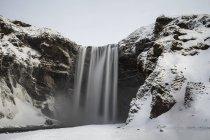 Vue panoramique sur la cascade gelée, Islande — Photo de stock