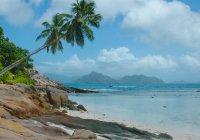 Vista panoramica della spiaggia tropicale, Isola La Digue, Seychelles — Foto stock