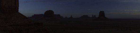 Scenic view of Monument Valley at nighttime, Utah and Arizona border, USA — Stock Photo