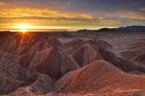 EUA, Califórnia, Anza-Borrego State Park, Sunrise over badlands — Fotografia de Stock