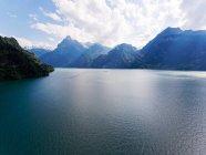 Мальовничий вид на озеро Люцерн і гори, Швейцарія — стокове фото