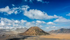 Clouds at Mount Batok. Indonesia, Bromo Tengger Semeru National Park — Stock Photo