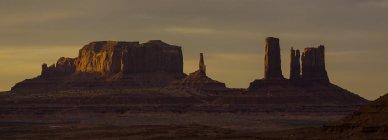 Scenic view of Monument Valley at sunset, Arizona and Utah border, USA — Stock Photo