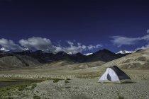 Vista panorâmica da tenda no planalto do Himalaia, Ladakh, India — Fotografia de Stock