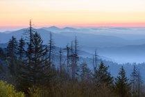 Vista panoramica delle Great Smoky Mountains al tramonto, Bryson City, North Carolina, Stati Uniti — Foto stock