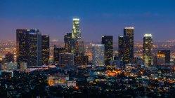 Vista panorâmica de Los Angeles na noite, Califórnia, EUA — Fotografia de Stock